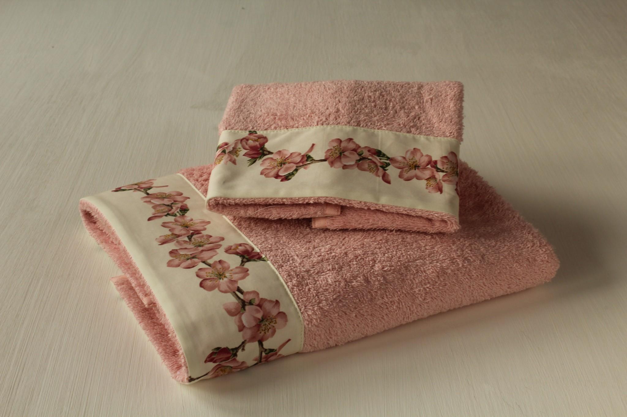 Coppia Asciugamani Fiori Di Pesco - Giardino di Rose: Biancheria per ...