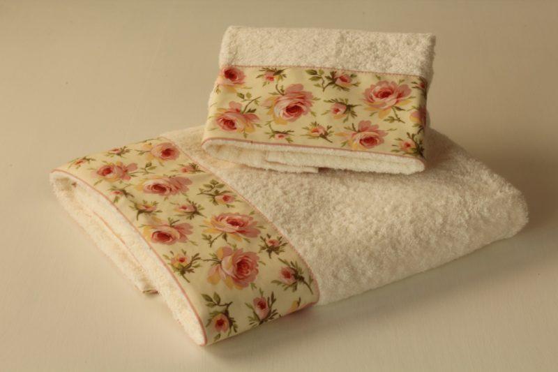 coppia asciugamani roselline