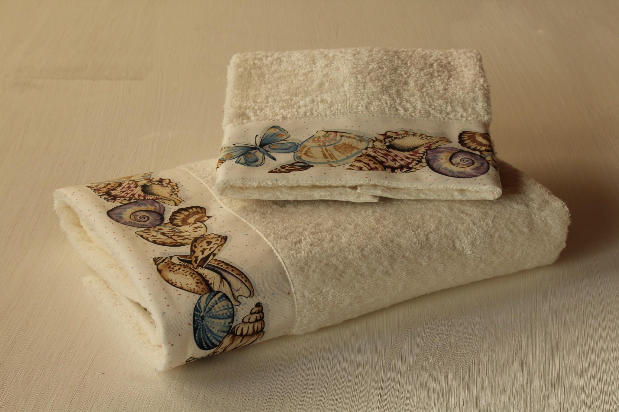 Coppia Asciugamani Conchiglie - Giardino di Rose: Biancheria per la ...